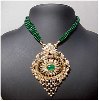Su dev jewels designer jewelery in gold and diamond mozeypictures Images